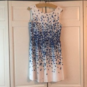 Tahari white and blue dress fully lined